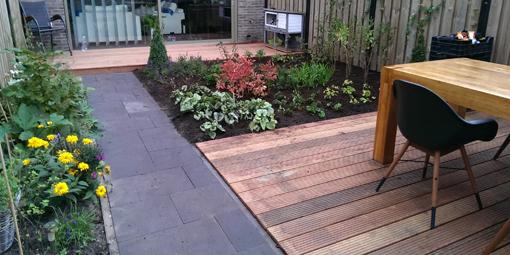 Verwonderlijk Stoere tuin met hout   R. Lorwa Hoveniersbedrijf KU-88